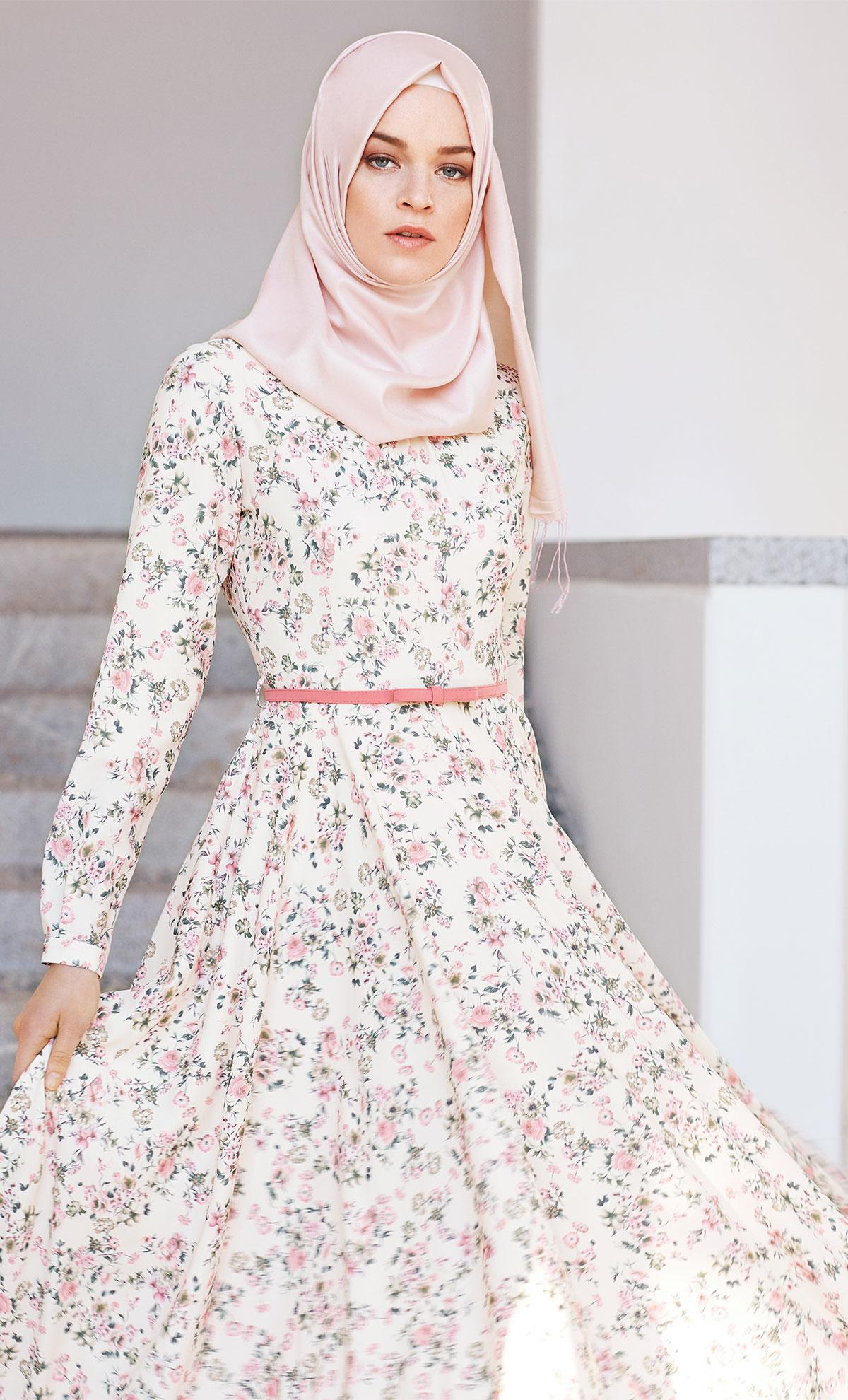 c351e777e Tuğba çiçekli elbise modelleri