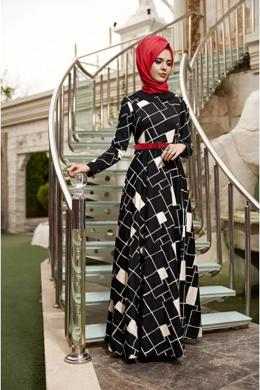 Asimetrik genç siyah elbise