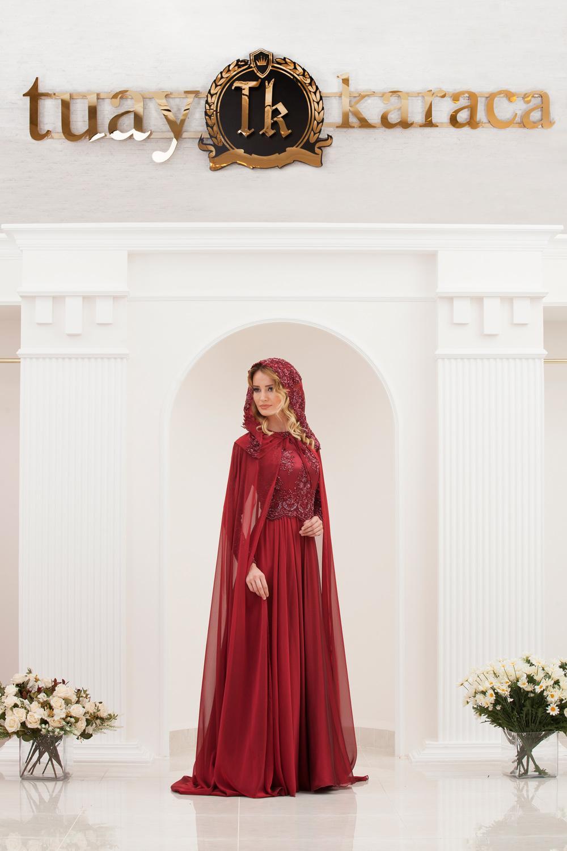 Tuay Karaca pelerinli kına elbisesi