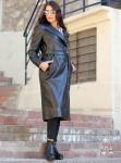 Uzun siyah deri ceket