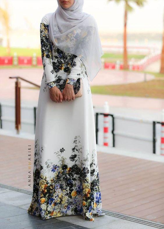 2c0820097bd88 Çiçekli tesettür elbise 2017