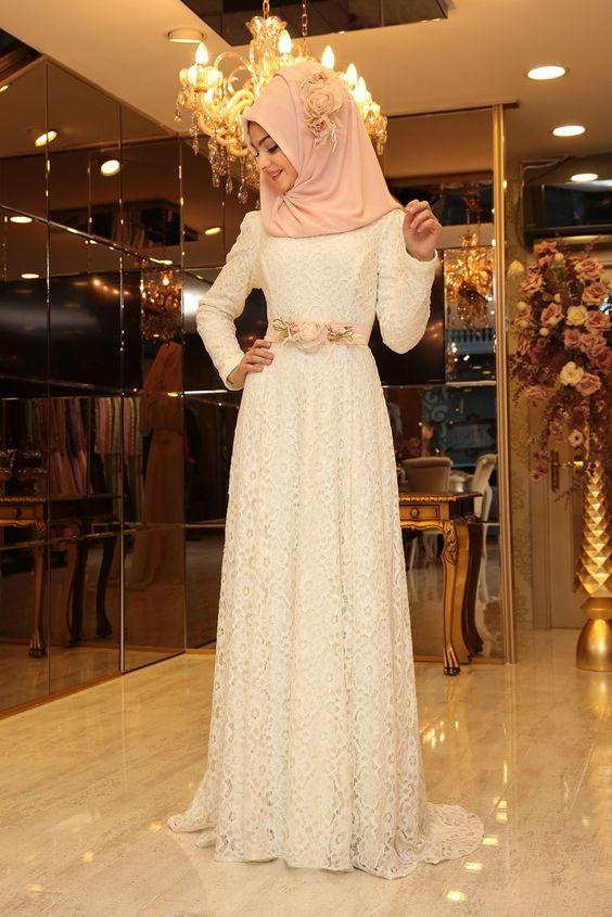 Tesettürlü beyaz nikah kıyafeti
