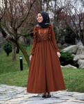 Fırfırlı uzun elbise
