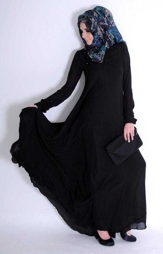 Siyah şifon kloş elbise