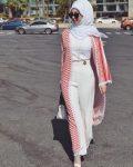 Yazlık beyaz pantolon yelek kombini