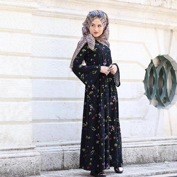 eb3badb05a082 2017 çiçekli tesettür elbise