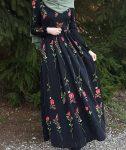 Çiçekli siyah tesettür elbise