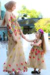 anne kız tesettür çiçekli elbise kombini