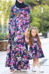 tesettür anne kız çiçekli elbise kombini